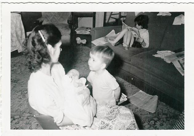 mom23