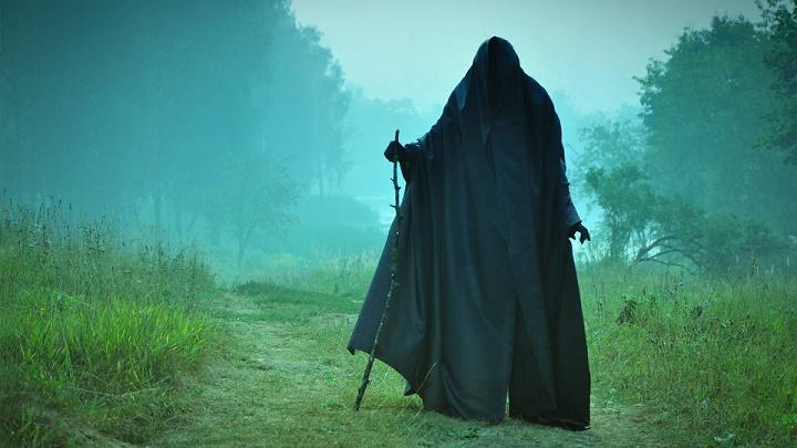 man_field_cloak2